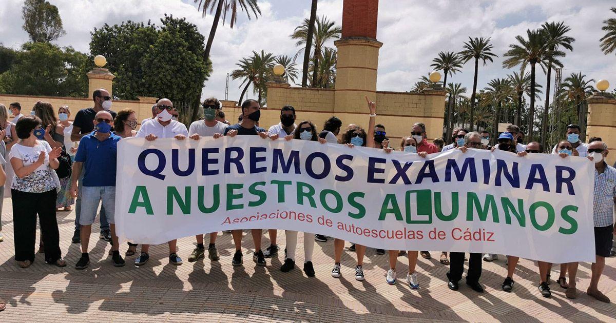 Manifestación autoescuelas en Jerez | Foto: Jesús Catalán (ElMira.es)