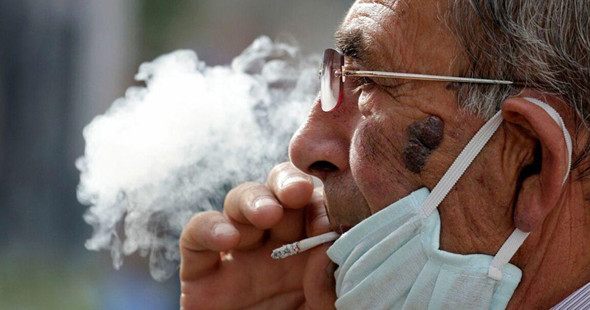 Fumar en la calle Covid-19