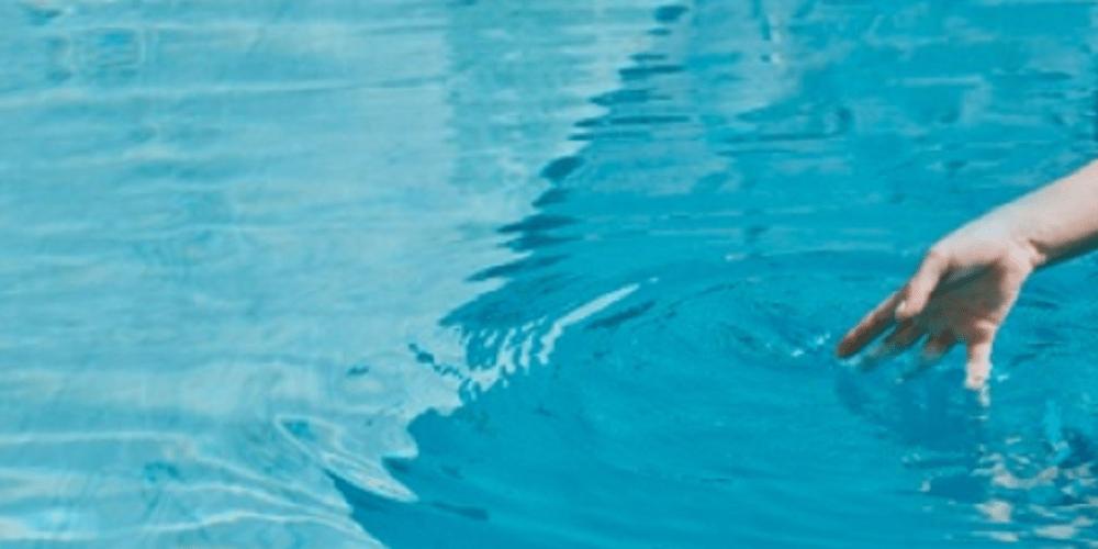 Fallece un niño ahogado en una piscina
