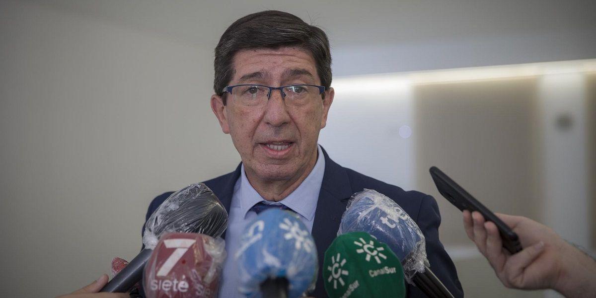 Juan Marín, presidente de la Junta de Andalucía, comprende las dudas de los padres con respecto a la vuelta al colegio de sus hijos
