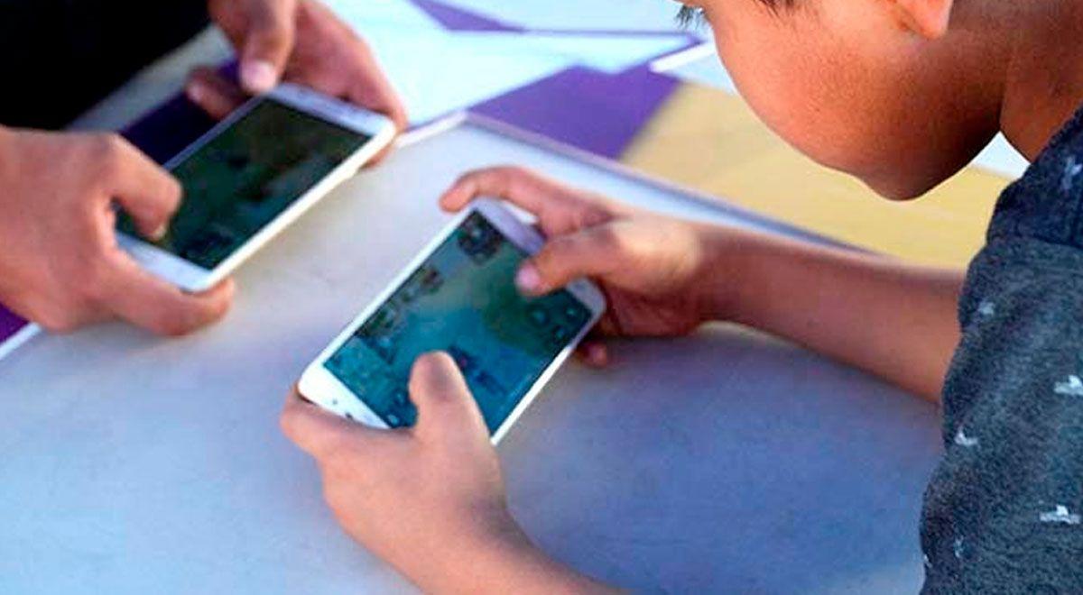 niño muere descarga móvil
