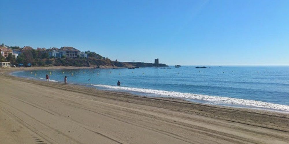Intervienen más de 200 kilos de hachís en una playa de Málaga