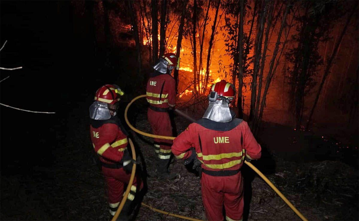 Incendio en Almonaster