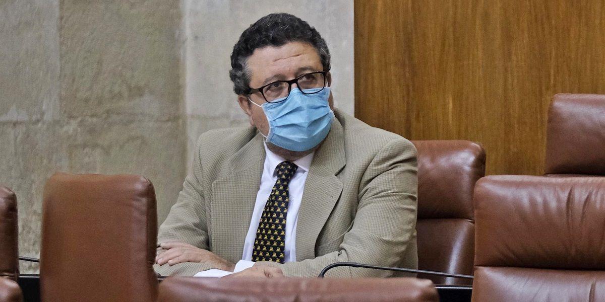 Francisco Serrano deja su escaño en el Parlamento de Andalucía