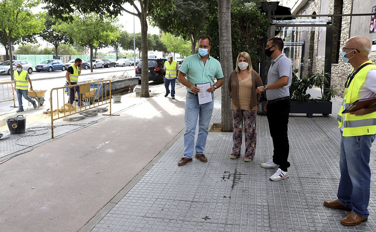 Acerado avenida caballero bonald