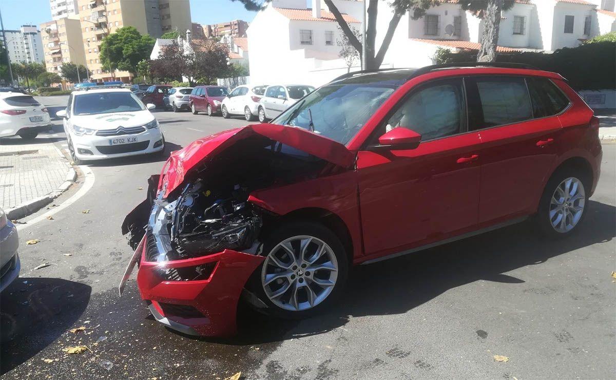 Accidente de coche avenida san joaquin jerez