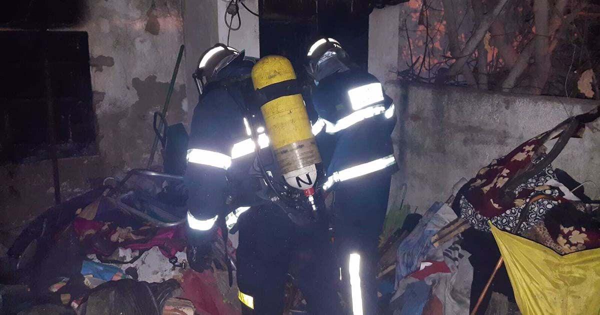 bomberos fuego san fernando incendio pisos Vélez Málaga