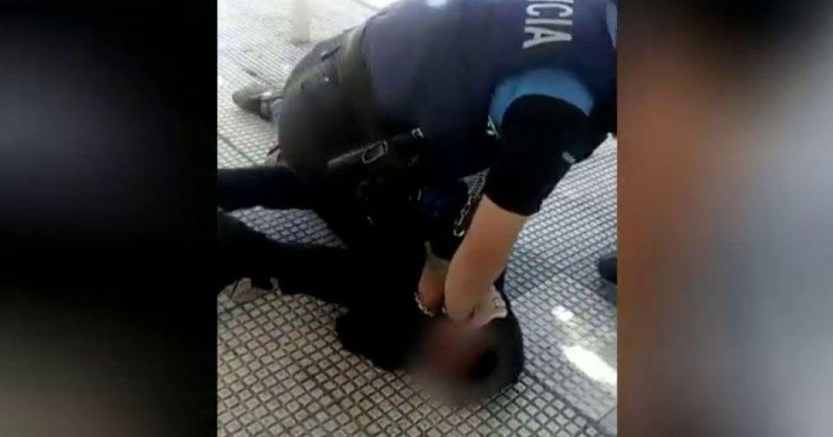 Menor rodilla policia