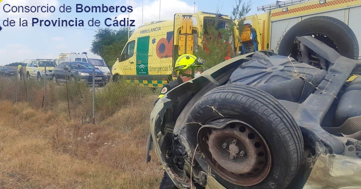Accidente con vuelco en La Barca Jerez