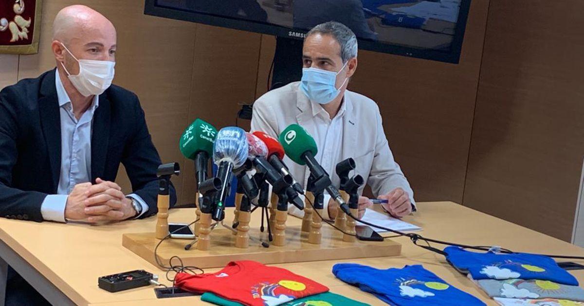 Presos de Puerto II confeccionan camisetas por el trabajo de funcionarios y sanitarios