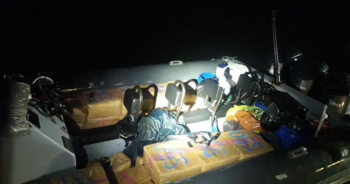Interceptan una narcolancha con 3.000 kilos de hachís en San Roque