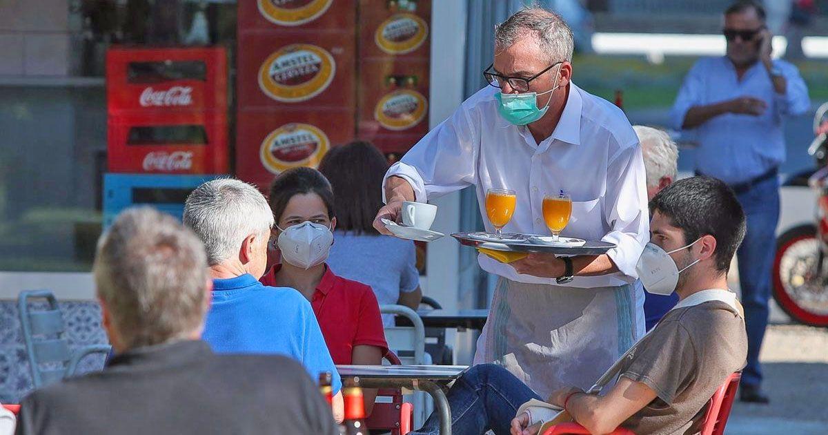 terraza de bar Juan Marín Sevilla desayuno coronavirus Beltrán Pérez