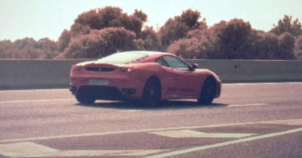 Los Mossos Pillan con un Ferrari a casi 220 kilómetros por hora, bebido y sin carnet
