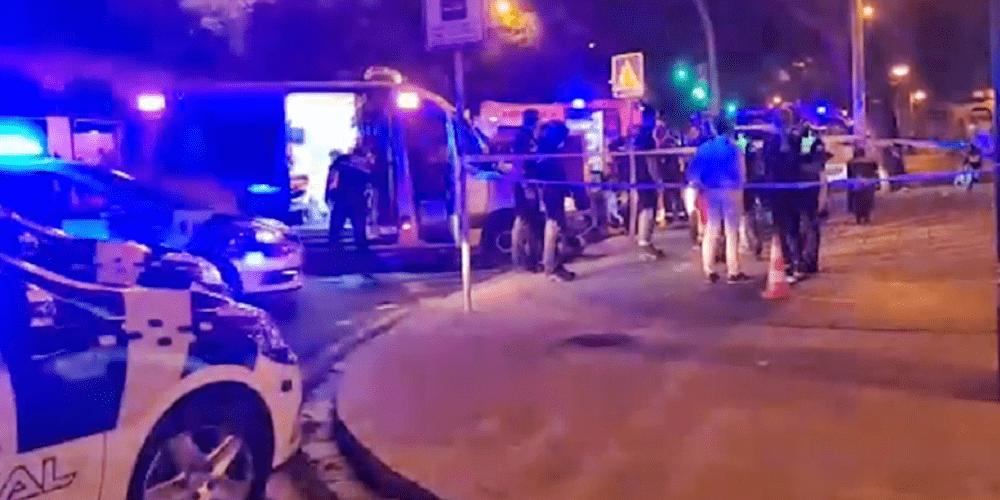 Muere un motorista en Sevilla tras chocar un con una señal de tráfico