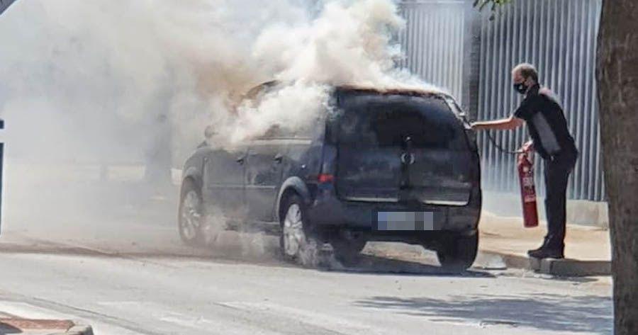 Incendio coche en llamas la milagrosa Jerez