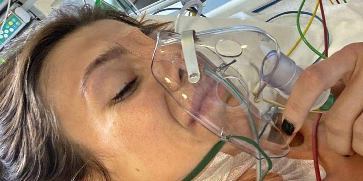 Una joven lleva cuatro años vomitando 30 veces al día por una enfermedad rara