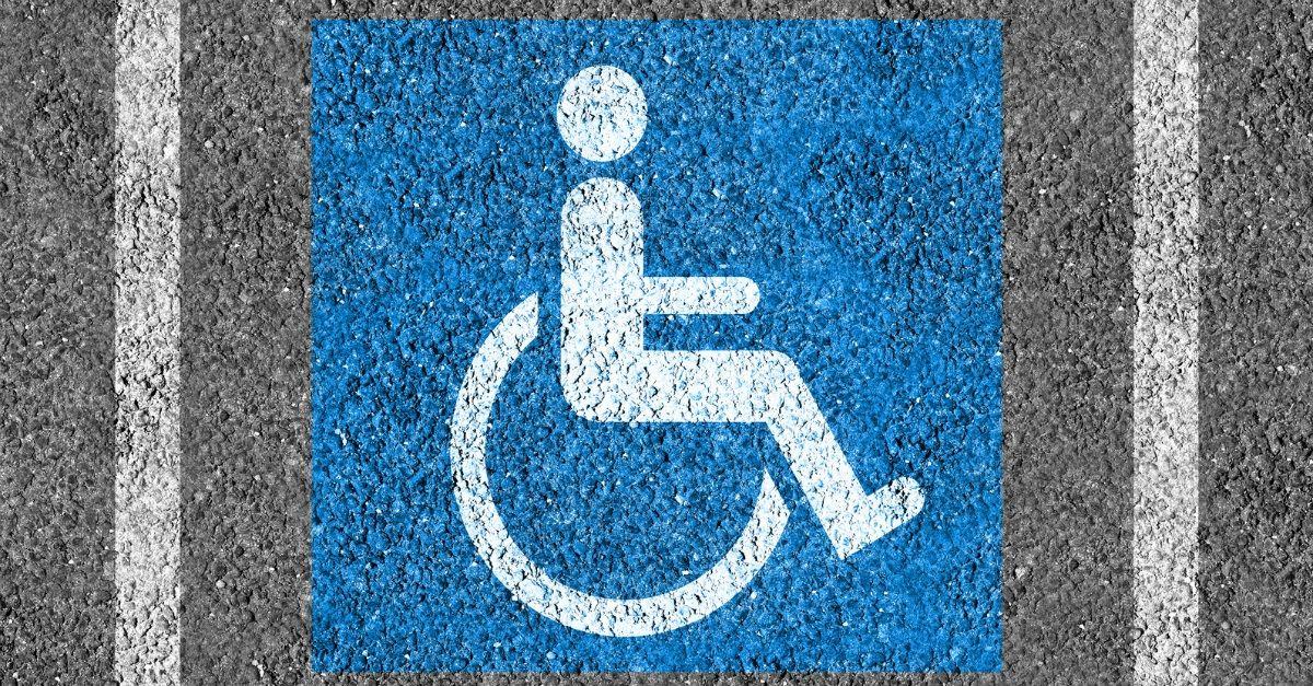 La Línea aparca discapacidad