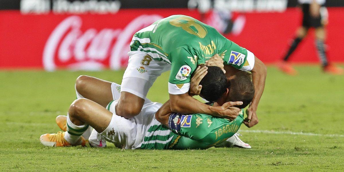 El Real Betis recupera su mejor versión en Mestalla