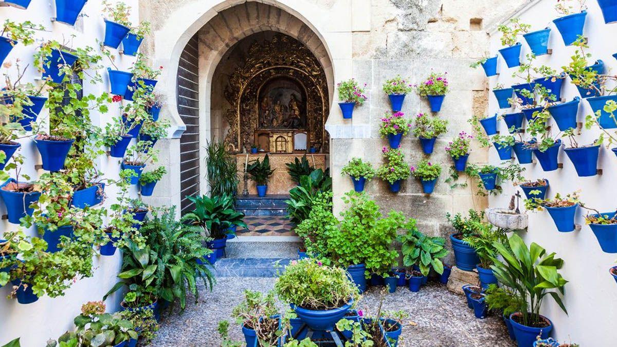 Los patios de Córdoba registran miles de visitas en el puente sin incidentes