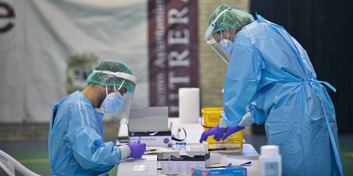 hospitalizados Andalucía Coronavirus Málaga anticuerpos contagiados síntomas personas