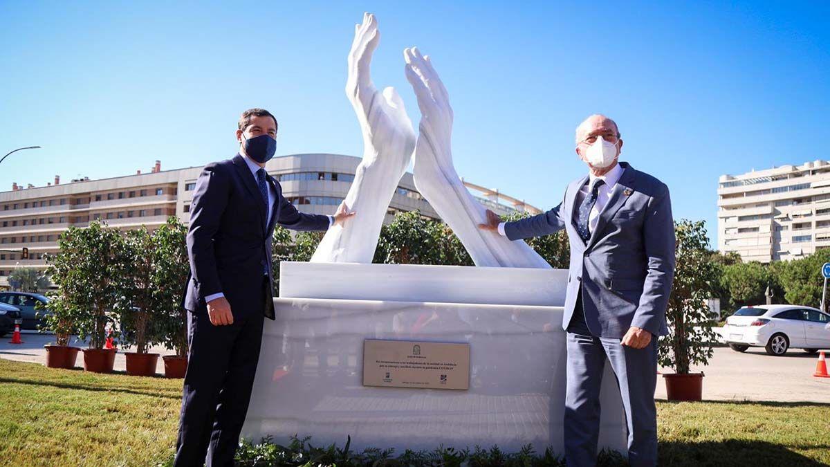 Estatua en homenaje a lo sanitarios en Málaga