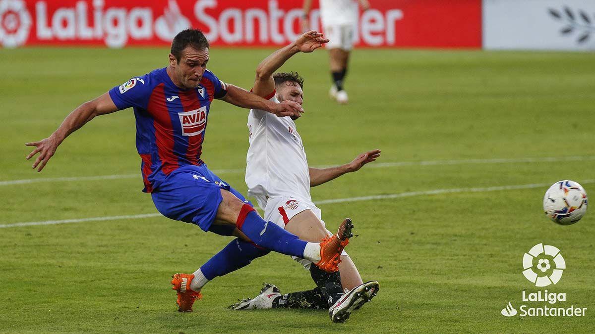 Gol de Kike García (Eibar) ante el Sevilla