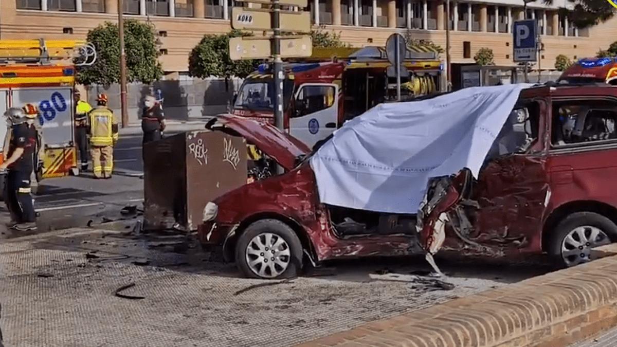 accidente de coche mortal en Sevilla junto a la Torre del Oro