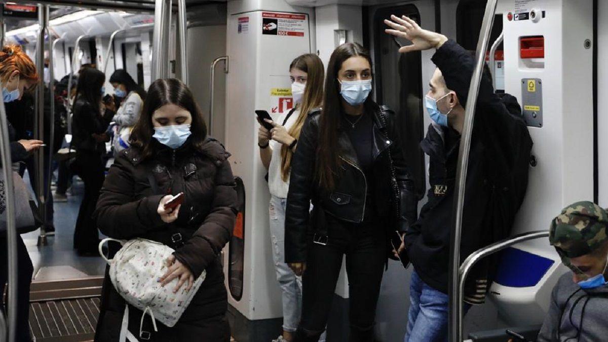 Coronavirus hablar transporte público