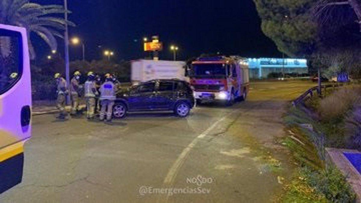 Sevilla coche mujer herida