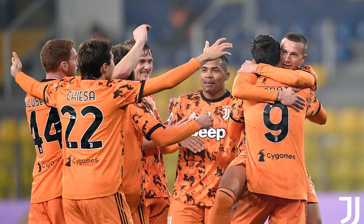 Juventus celebra la victoria ante el Parma