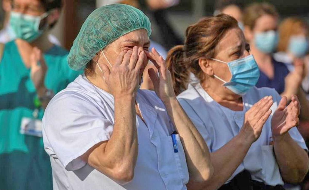 Sanitarios emocionados Andalucía