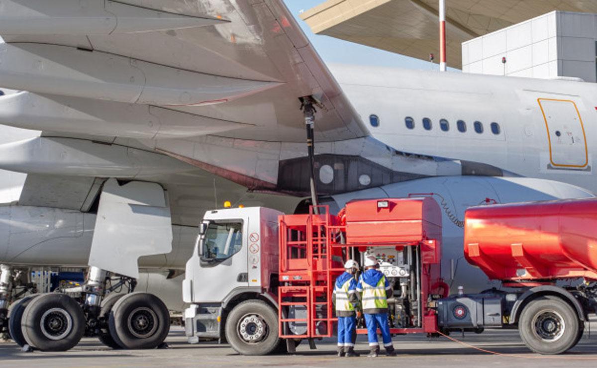 avión combustible